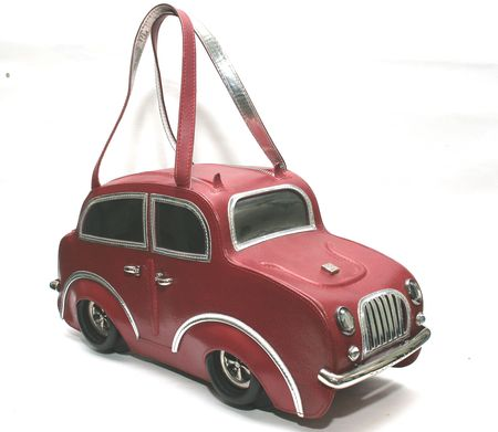 Сумка в виде машины Bently купить по цене 280000 в